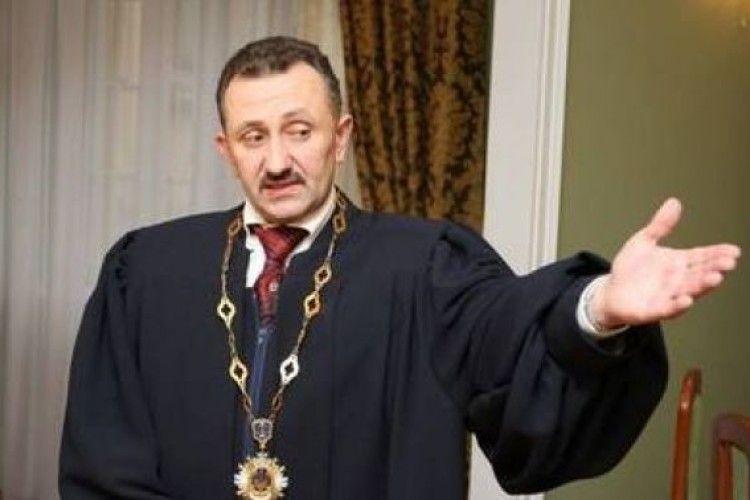 Хочет дальше «колядовать!»: Скандальный судья Игорь Зварич оспаривает приговор. Эпическое возвращение!