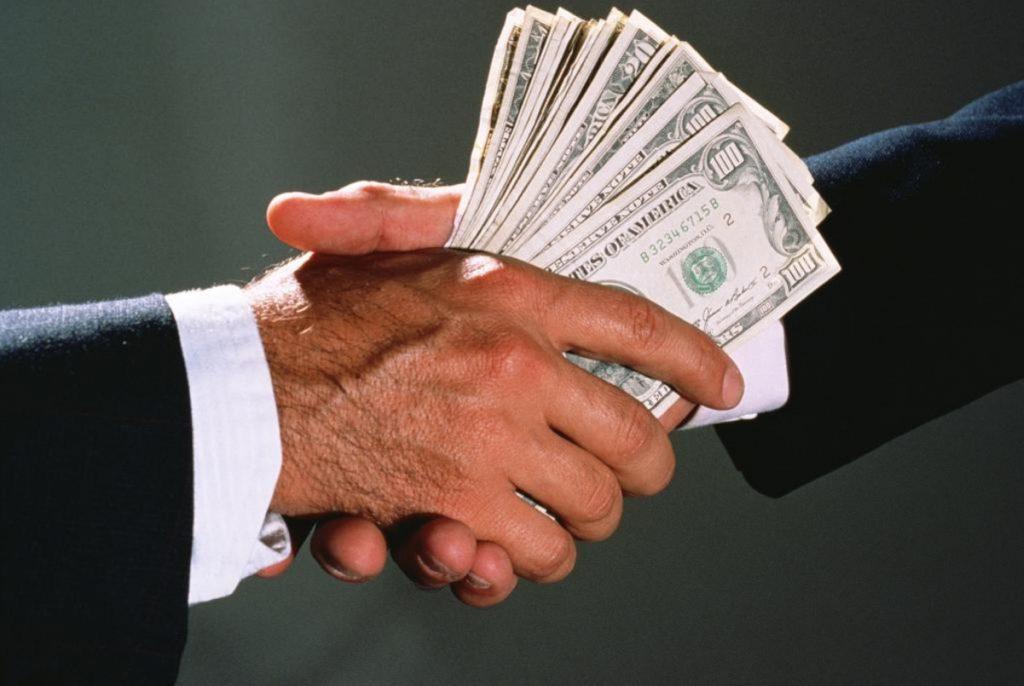 Теперь за коррупцию будут платить: «Слуга народа» приняла решение. «Гонорарам» быть
