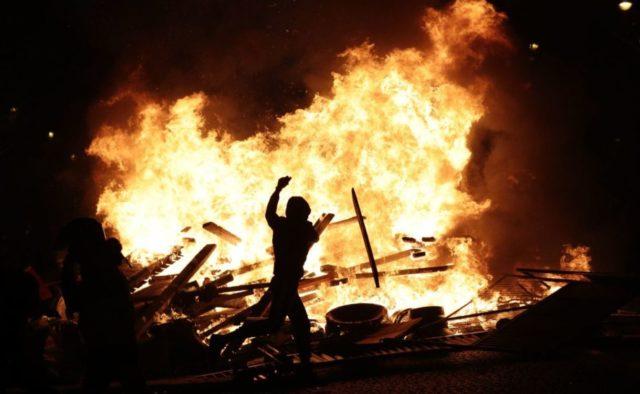 Демонстранты поплатились жизнью: полиция расстреляла десятки людей. Подробности ужасной трагедии
