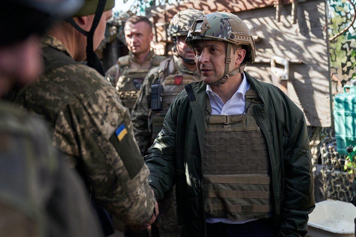 «Получил в наследство от Порошенко»: Ветеран АТО встал на защиту Зеленского. Может нужно дать время?