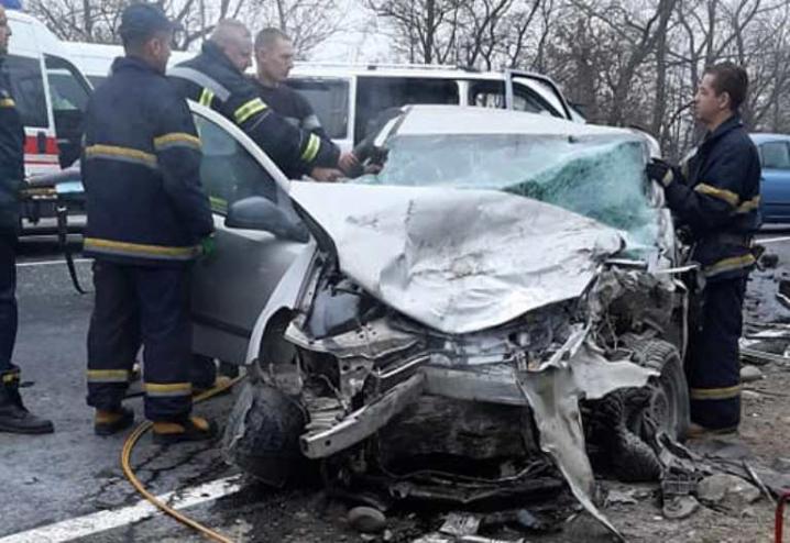«Тело доставали из искореженного автомобиля»: В жуткой аварии погибла топ-чиновница