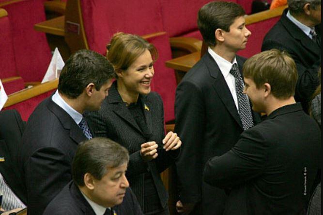 «Вслед за Кивой и Королевской?»: Депутата от «Слуги народа» высмеяли в Сети. Нету больше чем заняться?
