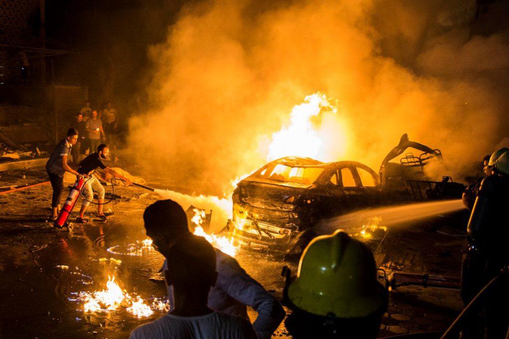 Крики и ужас в глазах: в центре Киева прогремел взрыв. Сообщили уже о нескольких жертвах