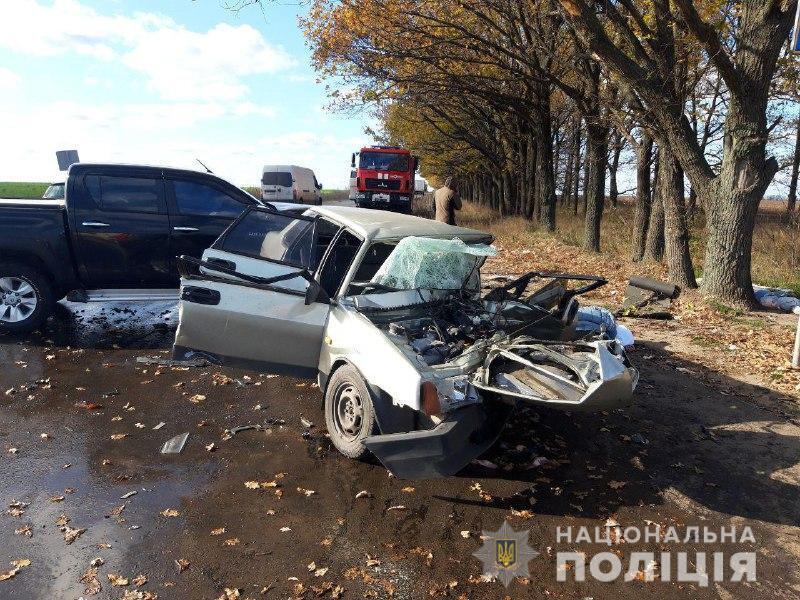 «Передняя часть легковушки полностью уничтожена»: В Донецкой области в страшном ДТП погибли супруги