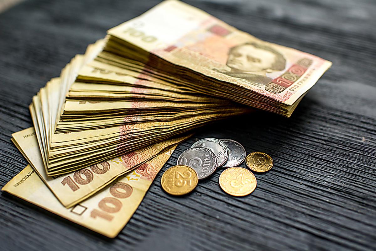 Доллар пока не сдается: курс валют на 19 октября
