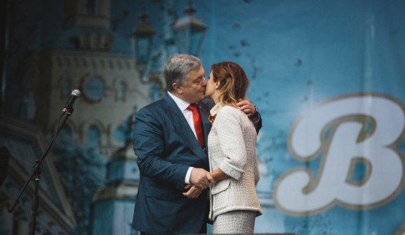 «Кричал» Слава Украине! «И безбожно грабил» У Зеленского требуют разобраться с Порошенко. Стать приговором!