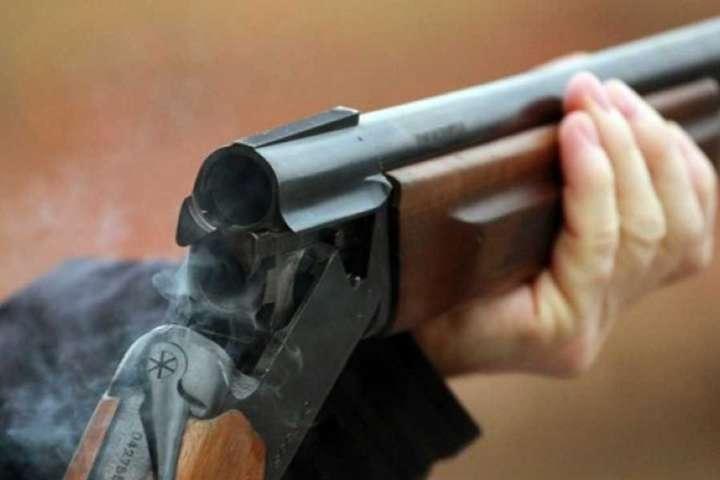 «Выстрелил несколько раз»: Жестокое убийство всколыхнуло Хмельницкую область. Девочка хотела защитить …