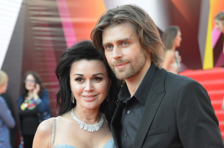 «Да, это правда!»: Всплыла правда о разводе Анастасии Заворотнюк. Не смог перенести…