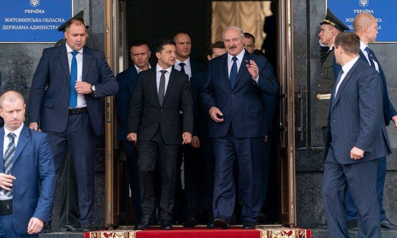 «Против кого-то дружить»: Лукашенко огорошил Зеленского жестким заявлением. «Я вас за язык не тянул»