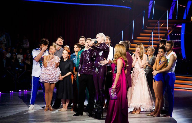 «Почему?!»: Страшная трагедия поразила участницу шоу «Танцы со звездами». Такое пережить очень сложно!