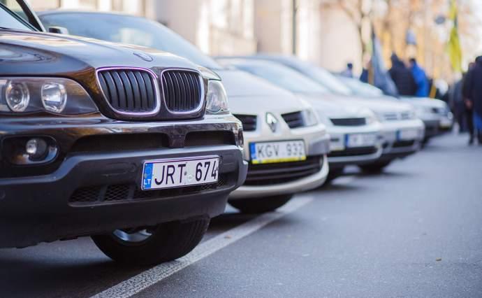«Пожелания учтут, но не все» : Депутаты вводят новые правила для «евроблях». Какие изменения ожидают водителей?