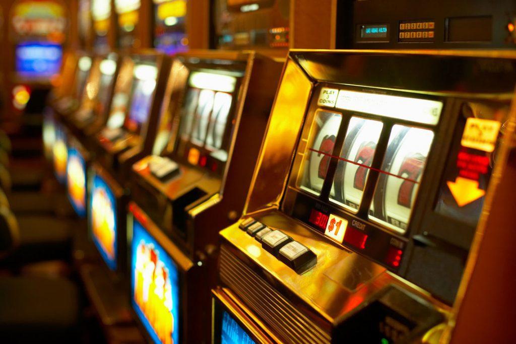 «Ограничит игроманию»: Рада зарегистрировала проект об игорном бизнесе. Усилят уголовную ответственность