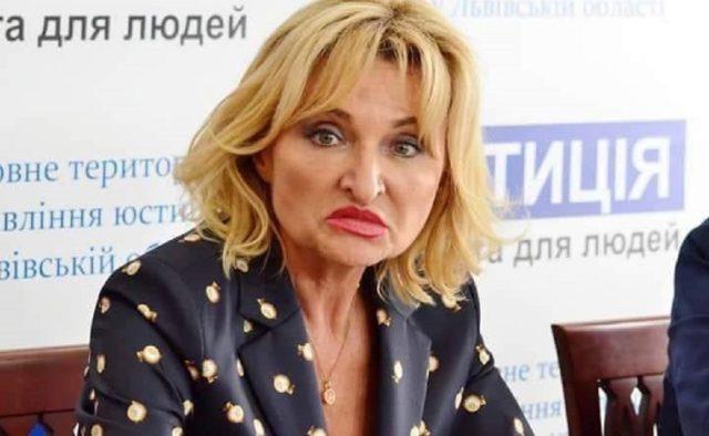 Луценко отдыхает! «Слуга народа» засветила брендовым аксессуаром в Раде. Более 46 тысяч гривен