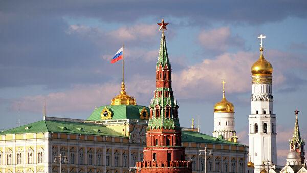 «Внимательно следят»: в Кремле прокомментировали перепалку добровольцев с Зеленским. Это важно