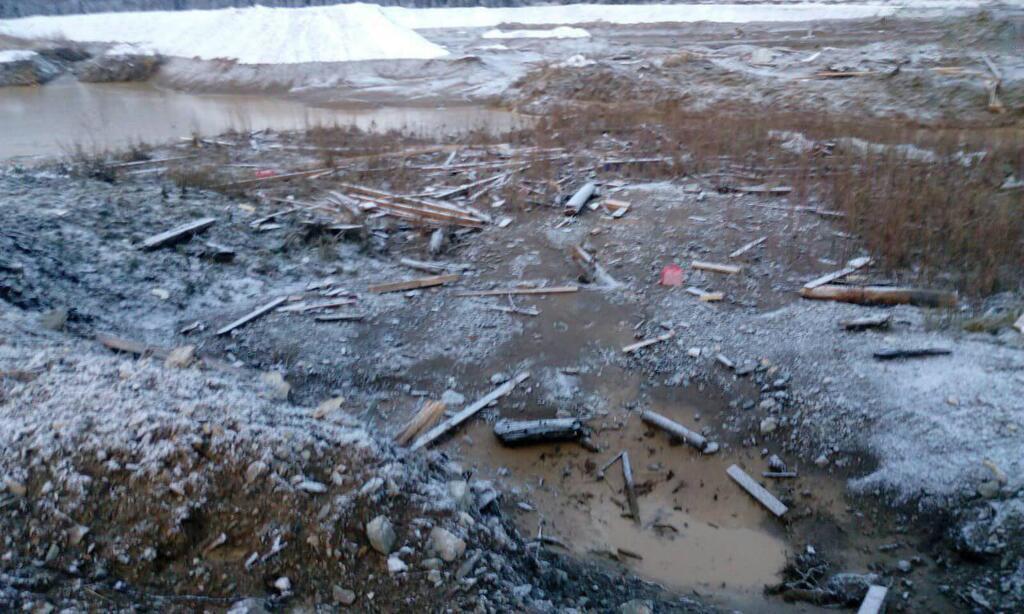 «По воде несло общежитие и люди кричали» Помогите «»: ужасные подробности страшной аварии. Людей эвакуируют