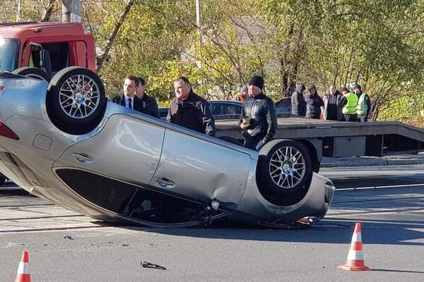 «Машина перевернулась» : В Днепре известный чиновник устроил пьяную ДТП