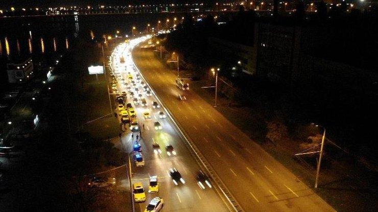 «Ехал и ничего не подозревал»: В Днепре посреди улицы расстреляли машину. Кто был в авто?