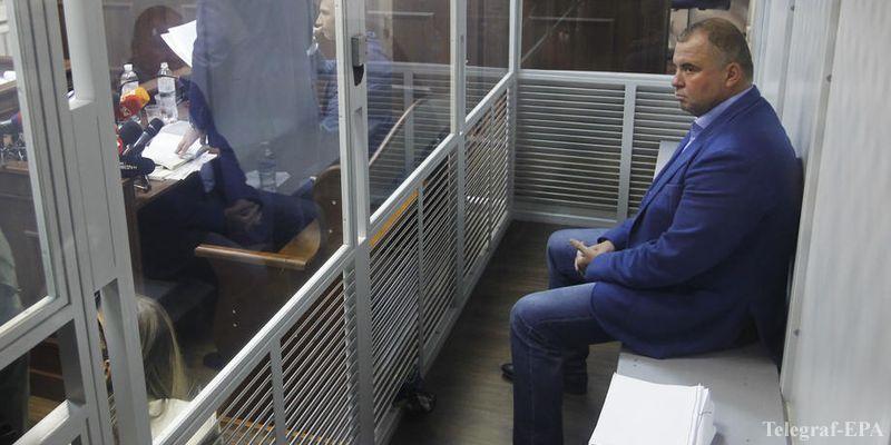 Попросил выпустить его из клетки: Суд избирает меру пресечения Гладковскому