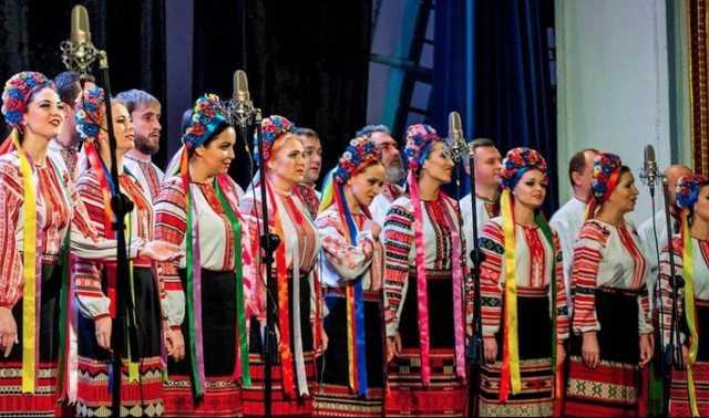 Будем друзьями и братьями! Хор Веревки трогательно поддержал Россию. «Отвратительность зрелища зашкаливает!»