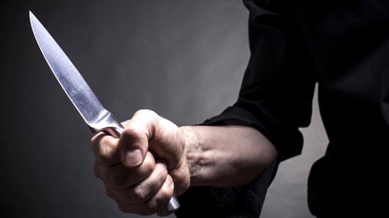 «Схватил кухонный нож и …»: В Кривом Роге мужчина смертельно ранил знакомого. Потерял много крови