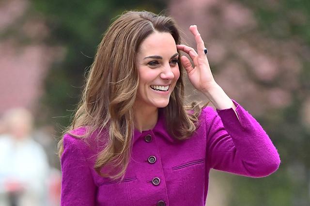 «Закройте королеве глаза!» Кейт Миддлтон опозорила Елизавету последним выходом в свет. Это неприемлимо!