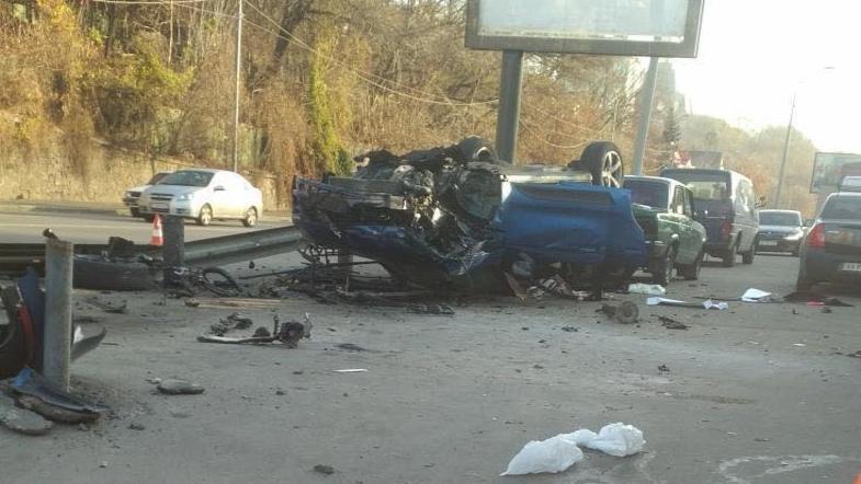 «Вылетели с дороги, въехали в …»: Пьяная дочь скандального депутата на Porsche устроила жуткую аварию в столице