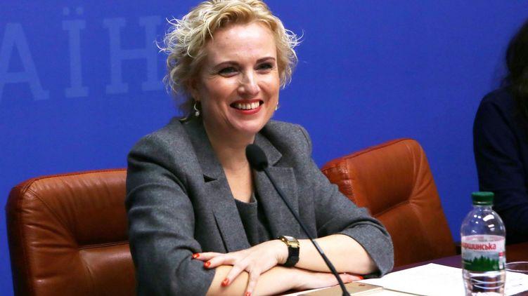 «300 тыс для королевы»: У Зеленского решили судьбу скандальной чиновницы из ОП. Была при 4 президентах