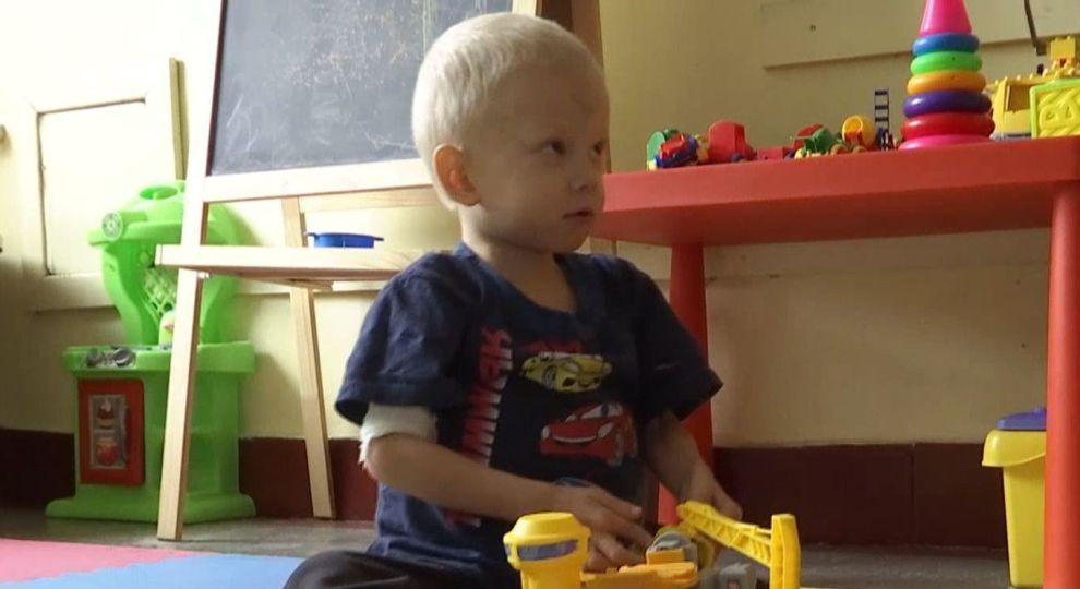 Срочная помощь нужна 6-летнему Лене из Киева