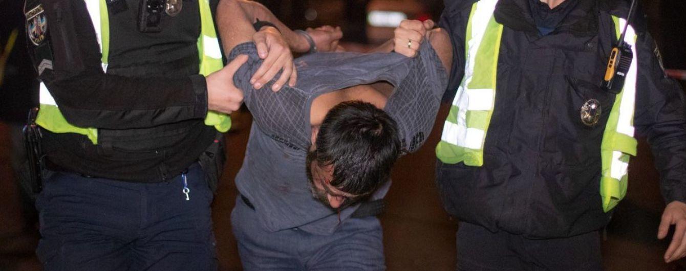 «Надо уничтожать нацию!»: В Киеве пьяный мужчина устроил страшное ДТП. Нашли прозрачный пакетик. Подробности