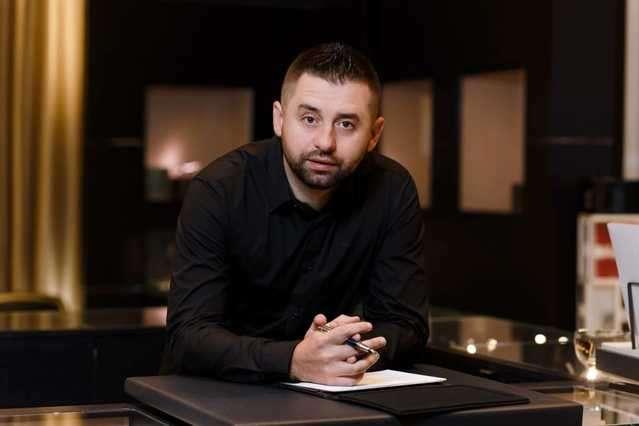 «Хочет замаскировать обычное уголовное дело»: Арахамия сделал мощное заявление о Скороход