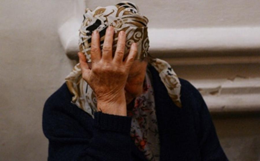 «На глазах у своей любимой»: Мужчина жестоко изнасиловал 14-летнюю падчерицу и ее 73-летнюю бабушку. «А потом убил …»