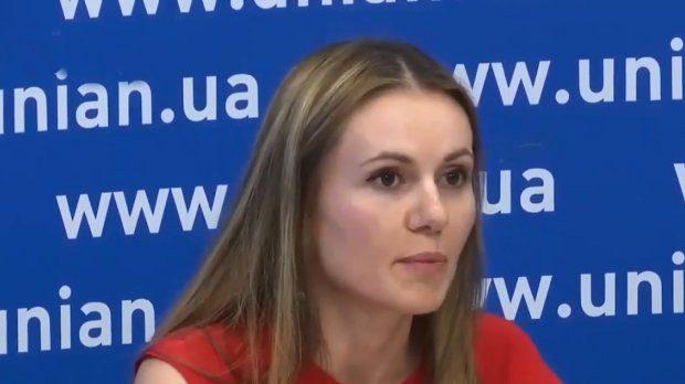 «Репрессировали» мужа-мошенника: Скороход обвинила власть в незаконных делах. Предлагала деньги!