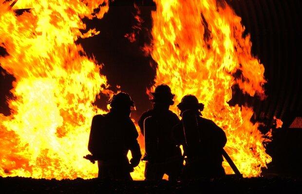 «Резкий запах дыма и обгоревшая кровать»: трагическая гибель всей семьи поразила украинцев. Смерть подстерегала их в собственном доме