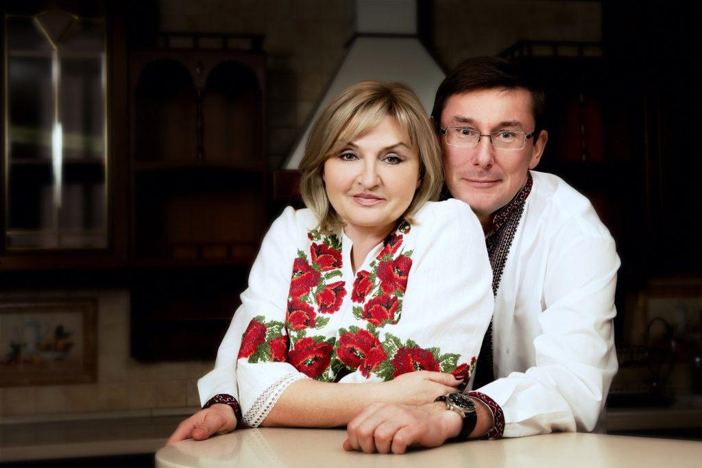 «Слуги барыги построят себе рай на чужой крови»: Юрий Луценко уходит из политики. «С женой и собакой»
