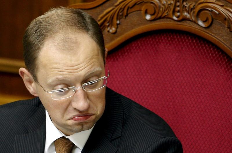 «4,7 миллиарда долгов»: Соратнику Яценюка конец … Зеленский в ярости — не дать убежать