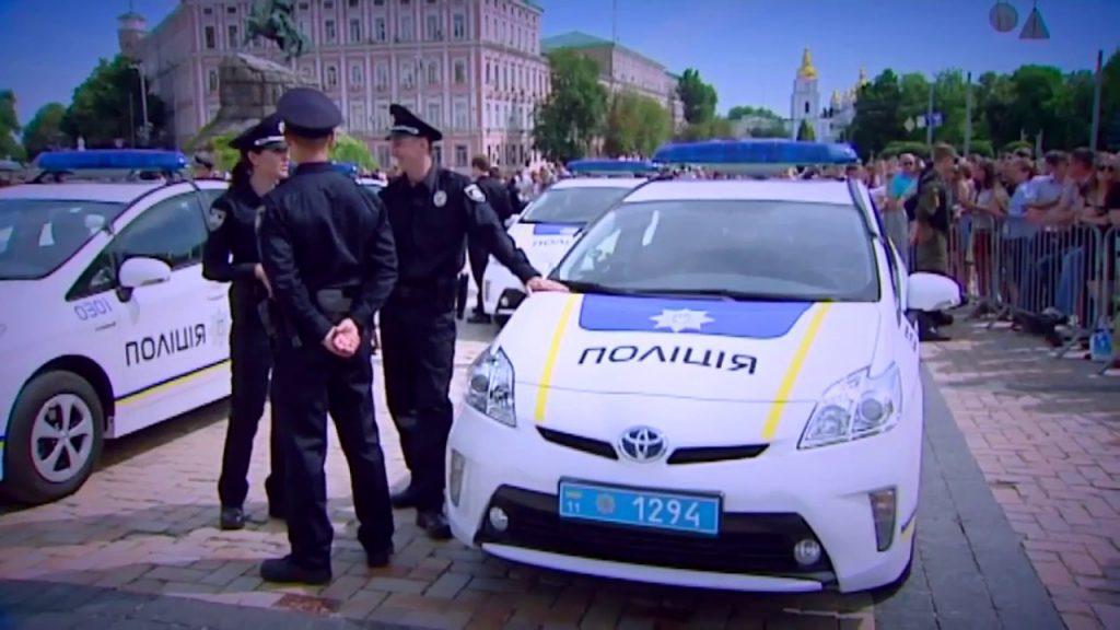 Избил и бросил умирать: в Харькове полицейский напал и «обчистил» старика. И это правоохранитель!