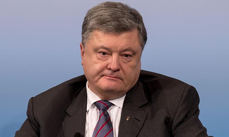 «Надеюсь вернуться!» Скандальный соратник Порошенко распрощался с должностью. Запахло жареным