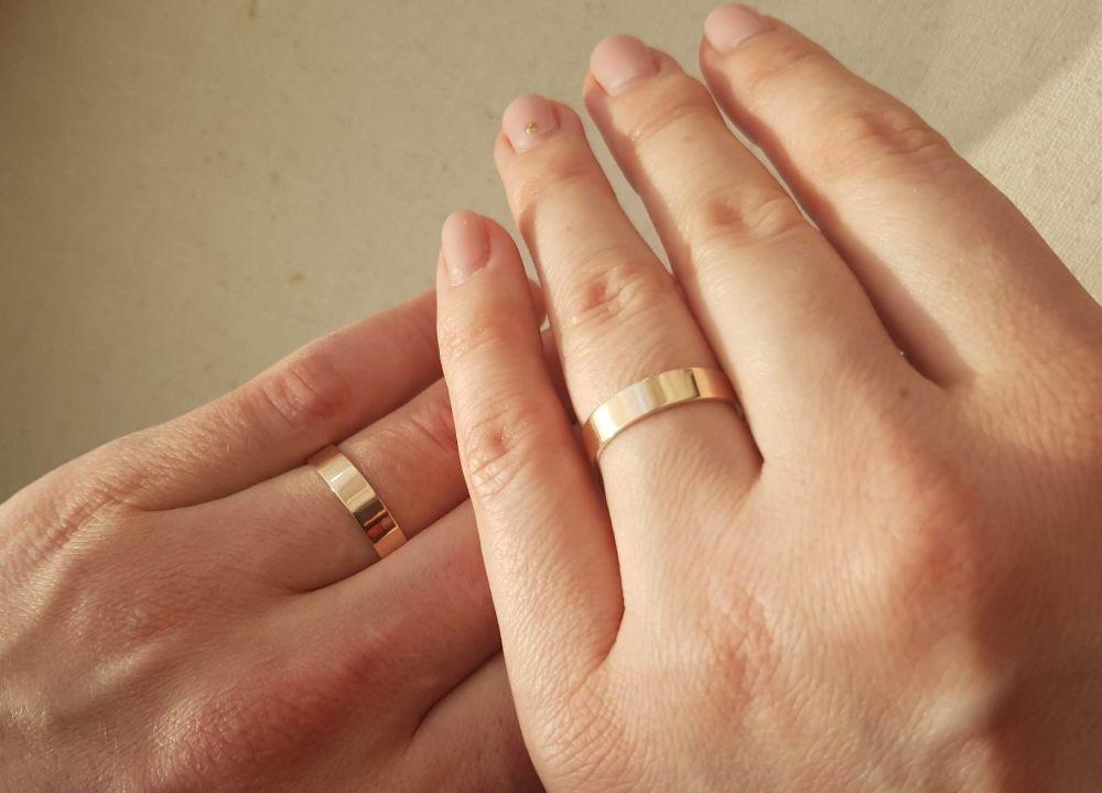 Знали только самые близкие. Звездный «холостяк» Украина женился. Фото счастливых молодоженов попали в Сеть