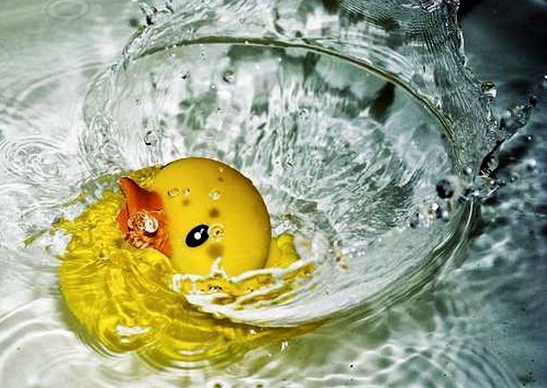 Во время купания. Жуткая смерть ребенка на Львовщине напугала всех. Родители в шоке