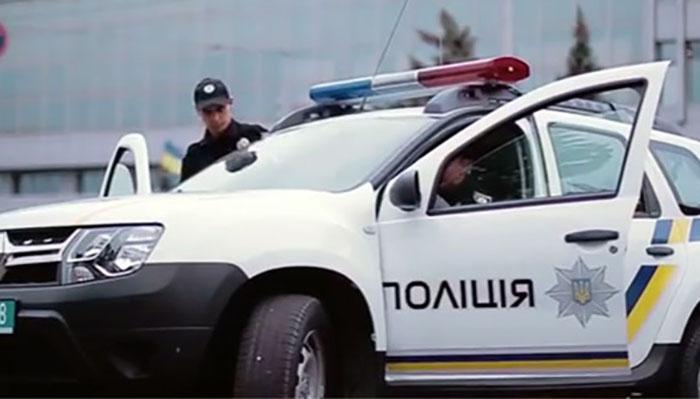Едва вытащили из машины: сотрудника прокуратуры поймали пьяного за рулем