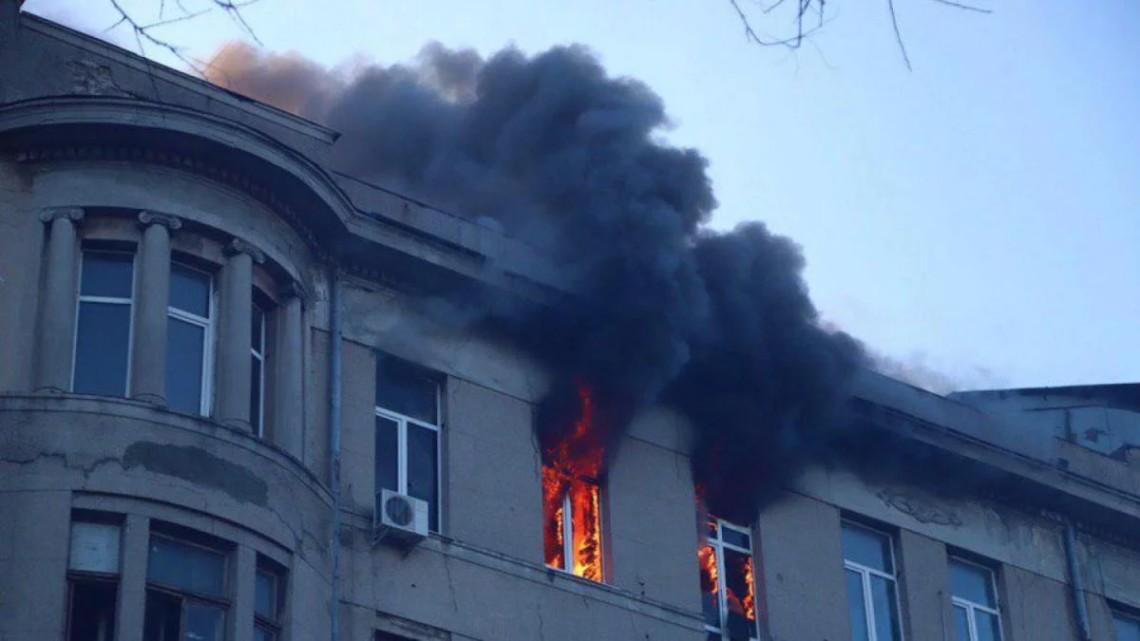 Опознали еще четырех погибших: Новые подробности страшного пожара в Одессе. Список жертв