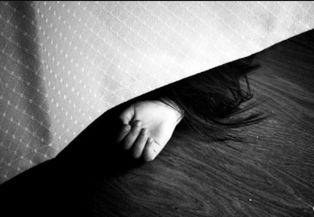 «Спокойно неделю жил с телом в квартире»: Мужчина жестоко расправился с женой. 10 дней пробыли супругами