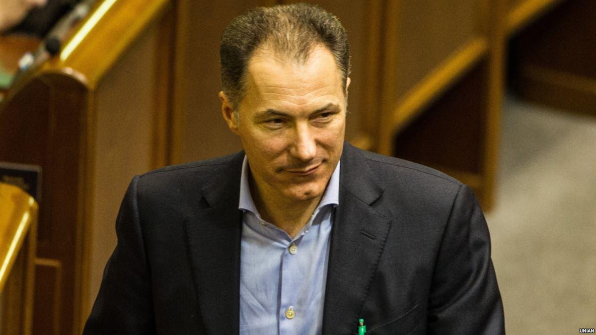 Облили зеленкой и отправили в тюрьму: экс-министра Украины Рудьковского засудили на два года. Что он сделал?