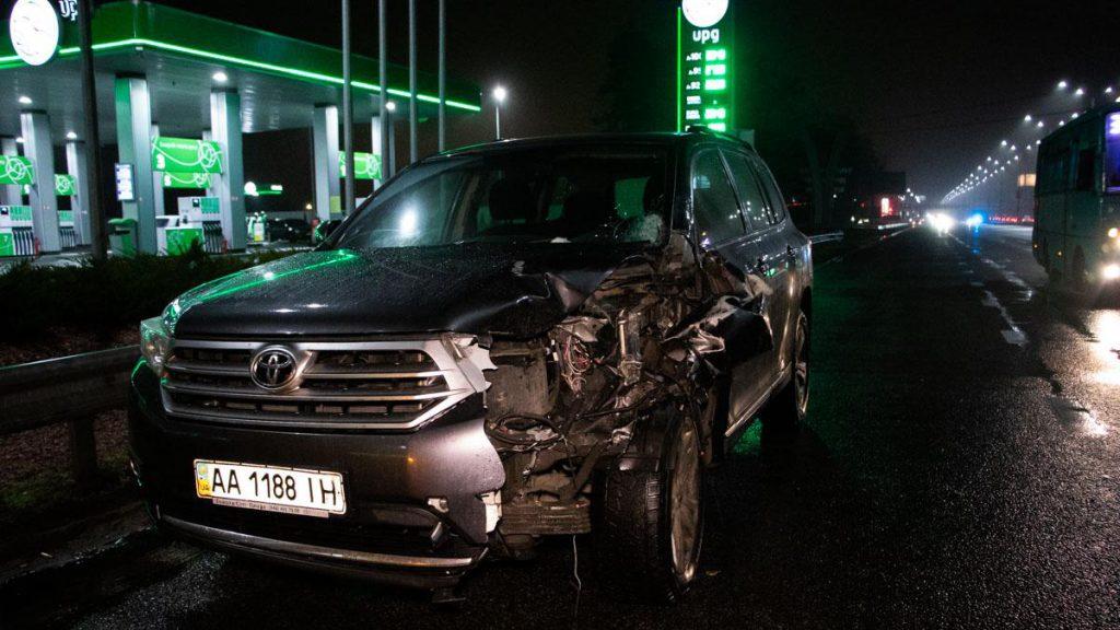 Мужчину разорвало на части! Под Киевом произошло жуткое ДТП. Определили только по уцелевшей руке …