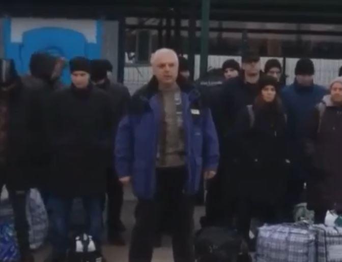 «Пойдем за ним в самое пекло!»: Освобожденный из плена украинец эмоционально обратился к Зеленскому. Никто не верил!