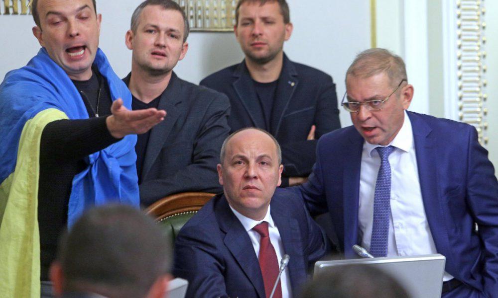 «Псевдопатриоты, пластинку заело?»: Парубия Вакарчуком «разнесли» после эфира у Шустера: стыд