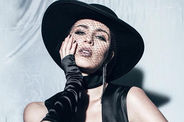 Уже не знает, что с собой сделать! Скандальная певица MARUV поразила фанатов яркой сменой имиджа. «Трудно поверить, что это ты»