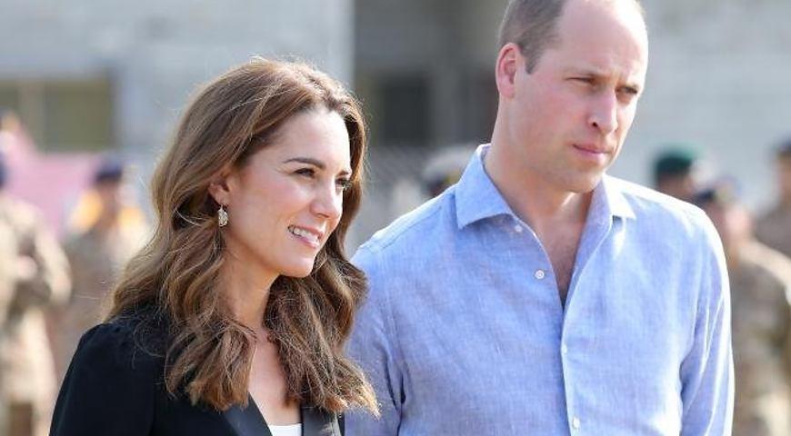 «Оттолкнула мужа на глазах у поклонников»: Кейт Миддлтон и принц Уильям на грани развода. Что происходит?