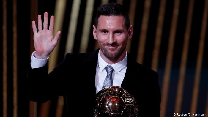 Бьет все рекорды: Месси получил свой шестой «Золотой мяч»