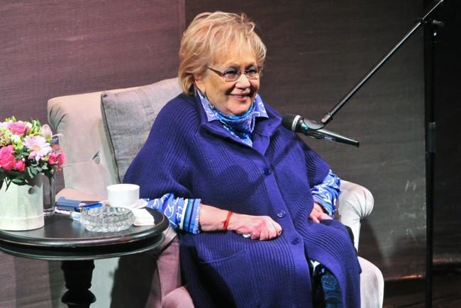 «Была как бабушка для для наших детей»: Кто из звезд шоу-бизнеса и кино отреогировали на смерть Волчек. Большая утрата!